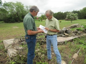 Archeologists from Texas Historical Commission